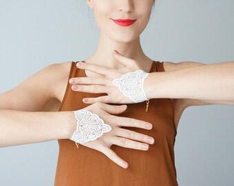Set of 2 Lace Bracelet White Bracelet Bridal Bracelet Wedding Accessory Bridal Jewelry Women Accessory Women Fashion Inspirational/ LEGNAGO
