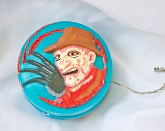 80s Freddy Krueger yo-yo - Nightmare on Elm Street toy - New Line Cinema Yos