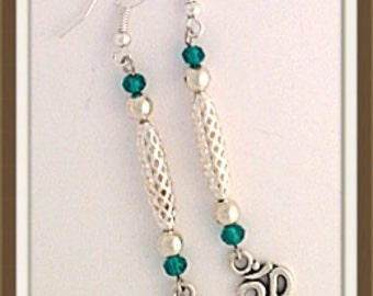 Handmade MWL silver and green long dangle OM earrings. 00003