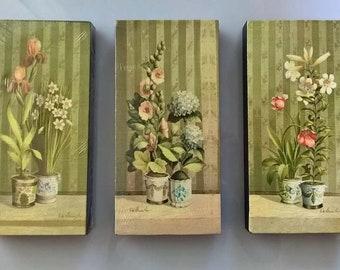 Tris Prints shabby floral motifs oleografia on canvas