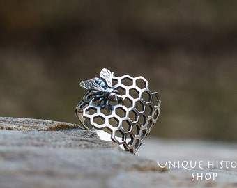Bee Ring • Honeycomb Ring • Bee Jewelry • Gift for Her • Handmade Silver Ring • Animal Ring • Unique Jewelry • Girl's Ring