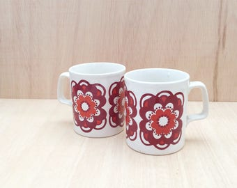 2 Staffordshire Potteries mugs from the 1960/70s - England