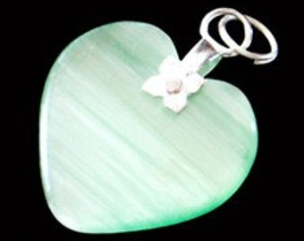 27mm Lime Green Cats Eye Fiber Optic Heart Pendant With Silver Bail