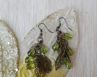 Pendant earrings, monachina earrings, crystal earrings, rhodium plated metal earrings, charm earrings, bronze leaf, beading earrings
