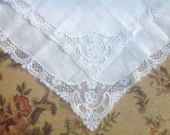 VINTAGE LACE HANDKERCHIEF. White Net Lace Wedding handkerchief. Lace handkerchief.