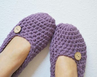 Extra thick Crochet Simply slippers in Purple Color, Crochet Slippers , Women slippers with natural coconut shell round button, house shoes