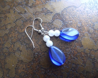 Crown Jewels Glass and Pearl Beaded Dangle earrings