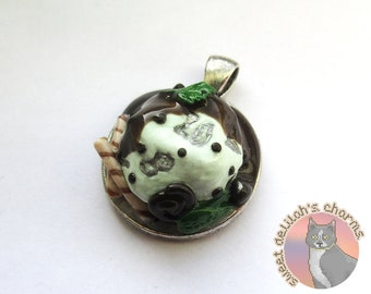 Mint Chocolate Chip D20 Pendant - CHOOSE YOUR ATTACHMENT! Necklace / Key Ring / Phone Strap D&D Tabletop ttrpg