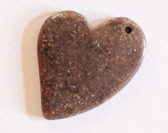 ❥ Large heart pendant with gold sand stone