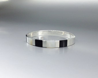 Black and white bangle bracelet with Onyx and Mother of pearl Sterling silver inlay work - gift idea - natural gemstone - modern design