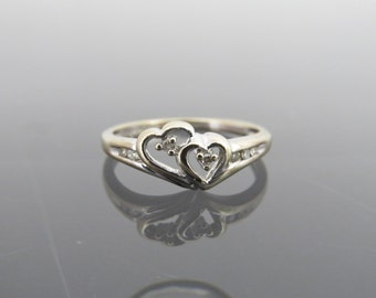 Vintage 10K Solid White Gold Double Heart Diamond Ring Size 5.25