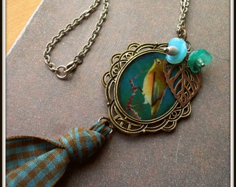 Framed Birdie Charm Necklace