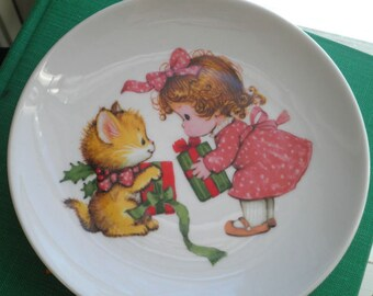 Vintage Avon Decorative Plate. Little Girl & Kitty Cat Christmas Home Decor Ceramic Plate, Retro Wall Art Kitschy Holiday Plate Gift for Her