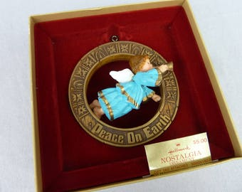 1977 Hallmark Nostalgia Christmas Ornament - Peace on Earth Angel - Vintage 1970s - Tree Trimmer Collection