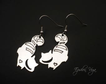 Alice in Wonderland earrings - silver cheshire cat