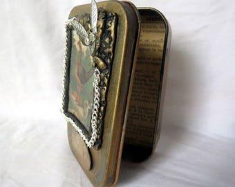 "Gift Card Holder, Altered Altoid Tin ""Fly""  Decorative Presentation or Trinket Tin"
