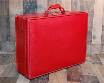 Vintage Hartmann Leather Luggage, rare red vintage luxury full leather Hartmann with brass latches, brass hinges feet, excellent condition