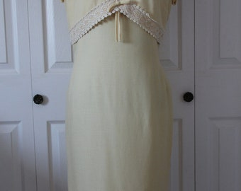 1950s Pale Yellow Wiggle Dress with Lace Detailing Medium