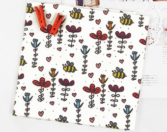 Honey bee & flower 100% Cotton Fabric BY HALF YARD / Bees / floral / flowers / digital printing / insect / children / Ykfabrics DTP2/134+