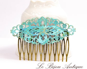 Bridal Hair comb Blue hair comb Verdigris Turquoise Wedding hair comb hair accessory Garden wedding hair decoration Pale blue green comb