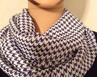 Scarf houndstooth Navy and white circular