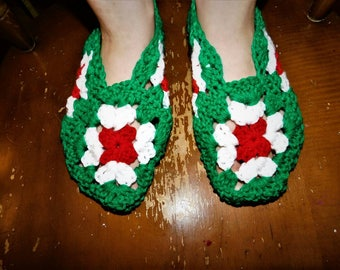 Christmas Slippers, Granny Square, granny squares, christmas slippers, green/red slippers, granny square slippers, Size: M (7-8)