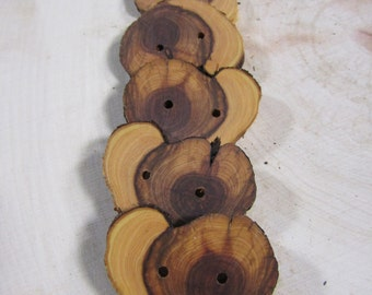 SALE!! 5 gnarled and weathered wooden buttons- Juniper, handmade buttons (2033)