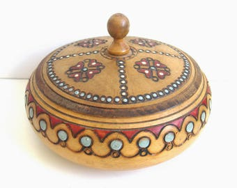 Vintage Romanian Folk Art Trinket Box - Hand Decorated with Traditional European Pokerwork Pyrography - Free Uk Postage