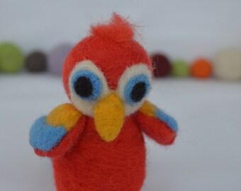 Needle felted miniature parrot, parrot felt, miniature felt, needlefelt, needle felting, handmade, felted Sculpture