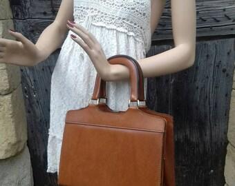 Vintage year 1950,1960 color gold handbag... Handbag vintage year 1950,1960 color gold