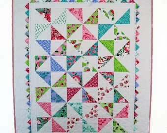 Handmade Baby Girl Quilt, Pinwheel Crib Quilt, Patchwork Quilt, Baby Girl Blanket, Girl Nursery Bedding, Prairie Points, Gift for Baby Girl