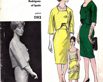 Vogue Couturier Design 1193 RODRIGUEZ Womens Asymmetric Box Jacket Blouse Skirt 60s Vintage Sewing Pattern Size 12 Bust 32 UNUSED with Label