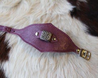 Bracelet cuir femme ; bracelet violet femme ; bracelet cuir violet ; bracelet motif celtique  ET.125