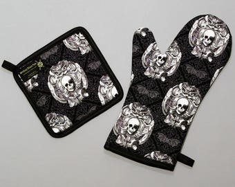 Gothic Skulls Damask Oven Mitt and Pot Holder, Sets and Singles, Black and White, Halloween Kitchen, Goth Punk Housewares, Bats, Horror Fan