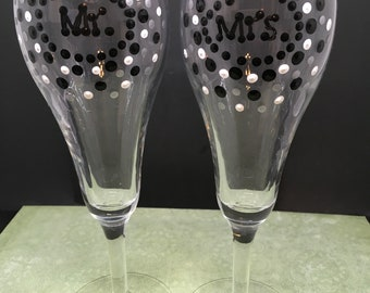 Stemware Glasses MR and MRS Champagne Hand Painted SET of 2 Black White Metallic Silver Toasting Glasses Barware Drinkware One of a Kind