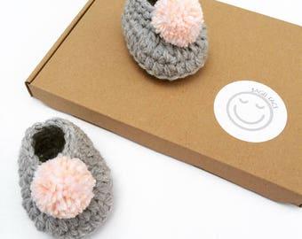 Baby girl crochet shoes, Crochet pom pom baby shoes, New baby girl gift, Baby shower gift, Gender reveal, Pregnancy reveal, Photo shoot prop