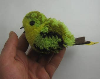 Original STEIFF 7082/10. Age old large wool miniature / woolen bird / pom-pom BIRD green-yellow. Made in Germany. 1974 to 1981. VINTAGE