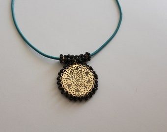 Pretty gold Necklace for fashionable womens