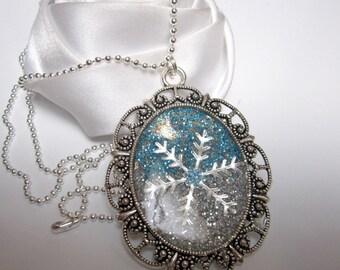 collier pendentif  une étoile des neiges