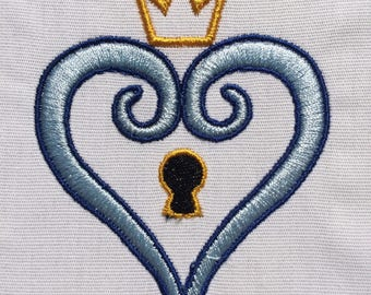 King Heart Lock 4x4 machine embroidery design