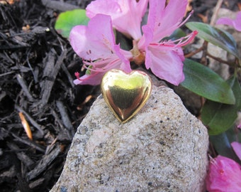 Gold Heart Lapel Pin- CC367G- Heart, Love, Sweetheart, and Valentine's Day Pins and Gifts