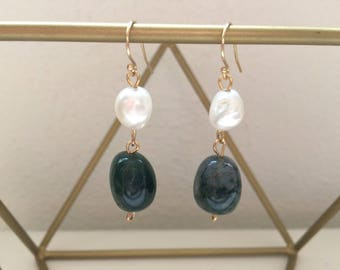 Earrings of MOSS agate and Pearl. Unique. Handmade gemstone earrings. Gift for women