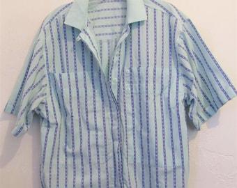 A Women's Vintage 80's,Funky MINT Green Striped AVANTE GARDE Short Sleeve Blouse.M