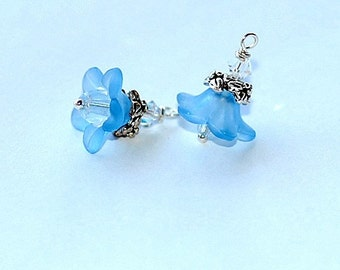 Free Shipping Blue flower charms
