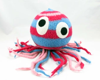 Jellyfish Snooter-doot – felted wool toy, whimsical soft-sculptured doll, hand-knit plush, decorative folk art softie, collectible stuffie
