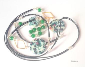 Sautoir tendance Nacre fleurs d'Orchidée et Agate ton vert fil de cuir noir 1 mètre de long cadeau pour elle