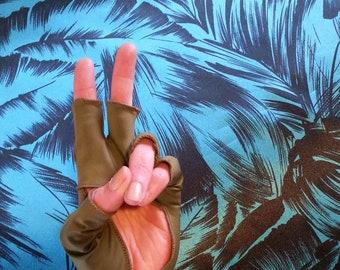 sea kelp UPF 50 sun-protective gloves/mitts