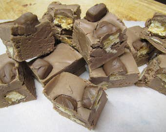 Snickers Fudge, Homemade Fudge, Fudge, Homemade Candy, Candy, Chocolate Fudge, Nut Fudge