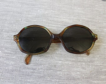 Vintage Funky 70s Perscription Sunglasses by CUE American Optical