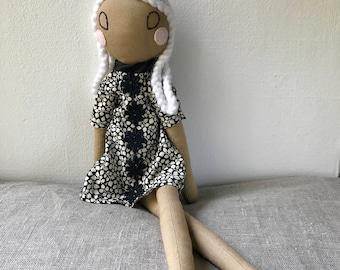 Poupée d'héritage, poupée de tissu, poupée d'art Textile, poupée en tissu, décoration maison, unique en son genre, la poupée de chiffon, le cadeau Unique.